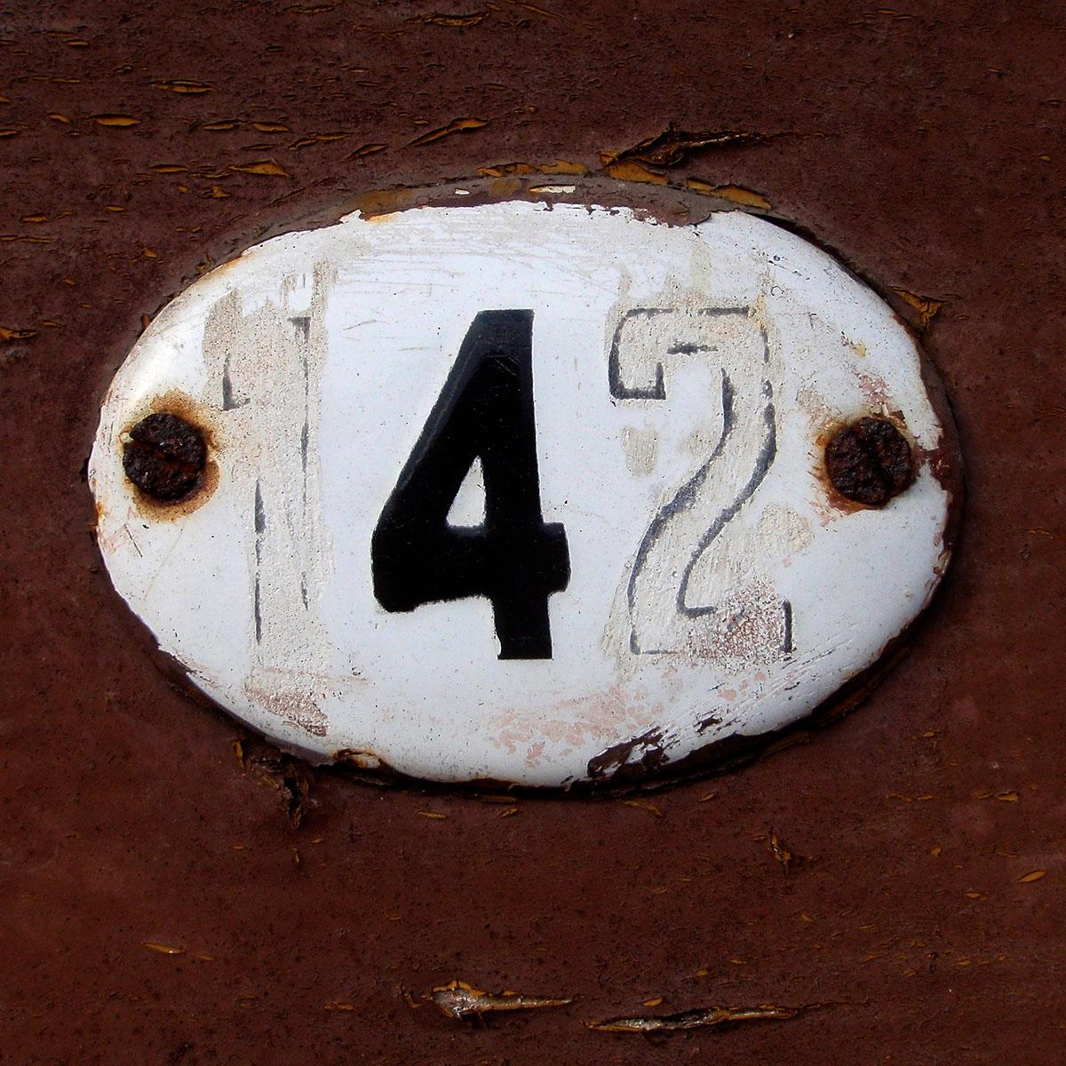 numer-na-drzwi-oliwa-142-01-m